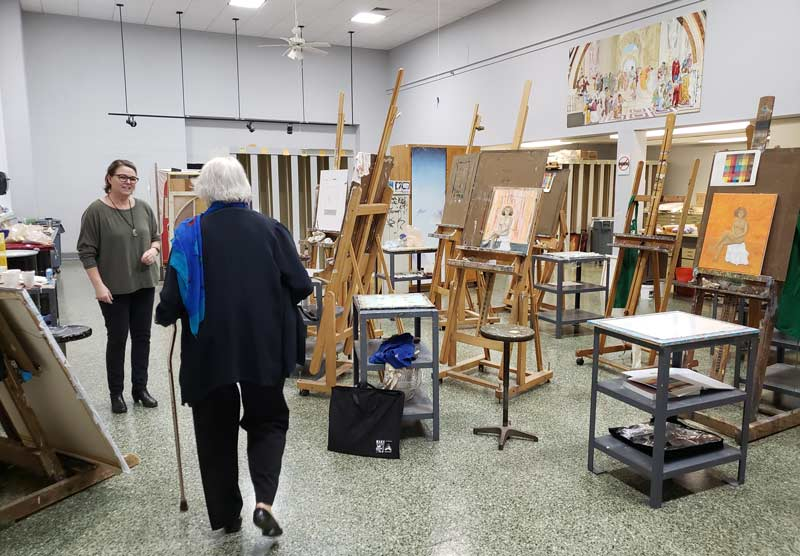 Touring the art department at Jacksonville State University